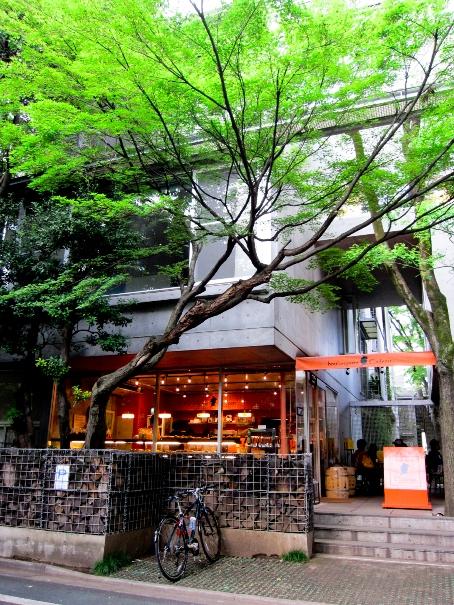 お店の雰囲気が良いパン屋さん 「ブーランジェリー・カドー」 【羽根木】