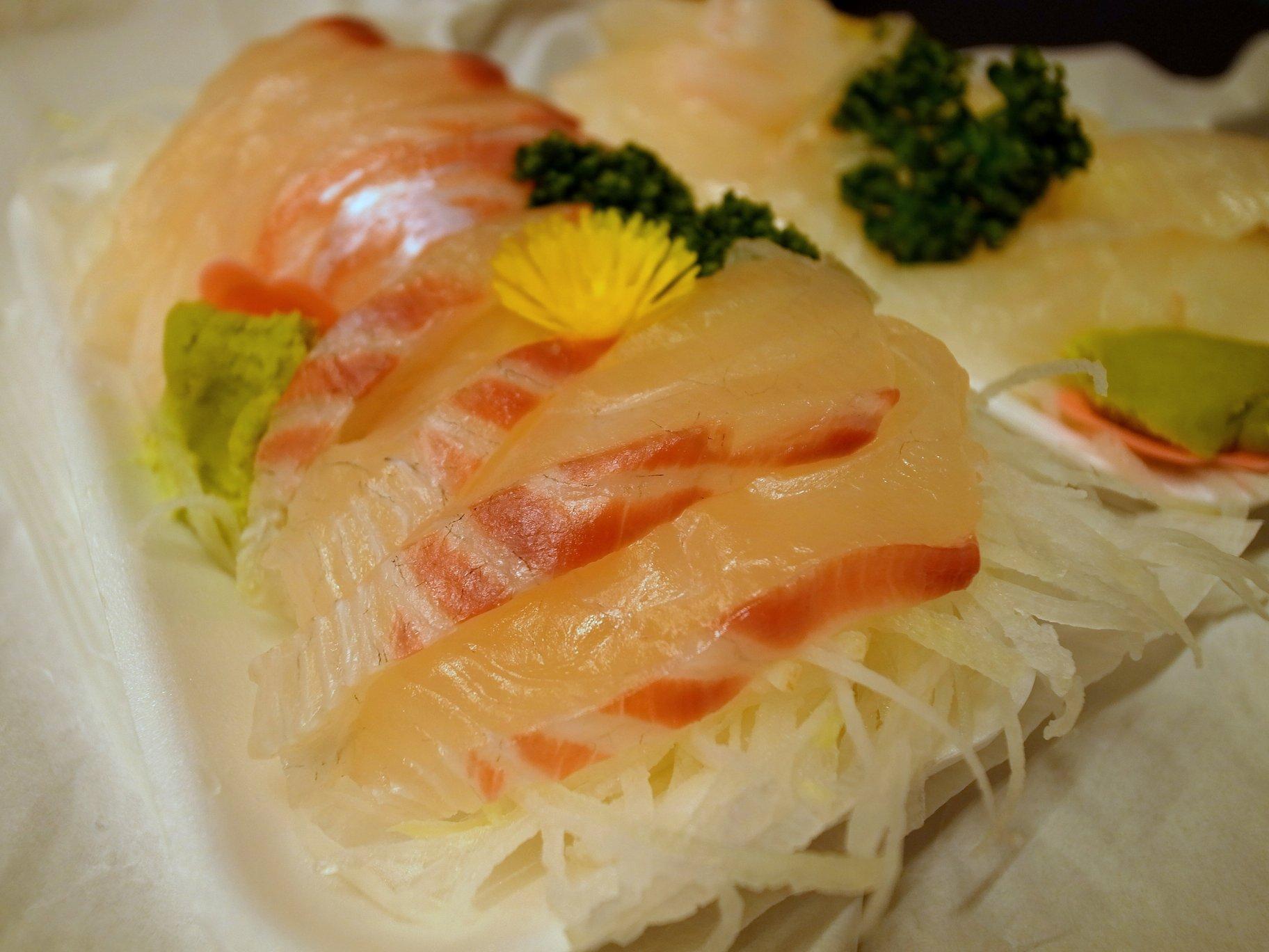 笹塚の「鮮魚えびす」の刺し身は凄い