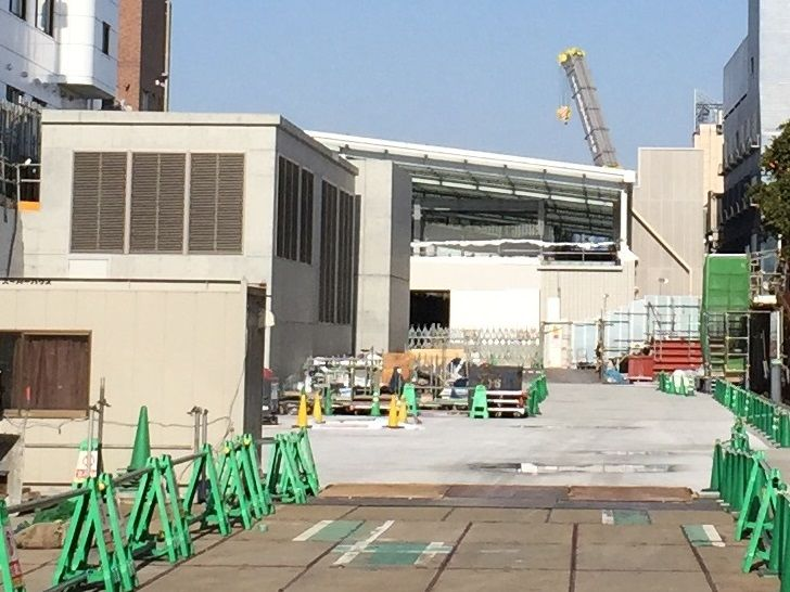 2017年3月現在の小田急線下北沢駅ビル